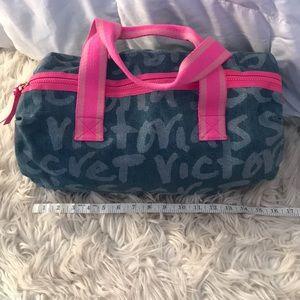 NWOT VS Victoria's Secret spell out duffle bag